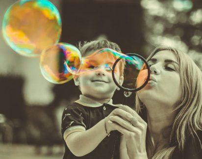 As mães de cada signo. É brincalhona, manipuladora ou criativa? Descubra agora