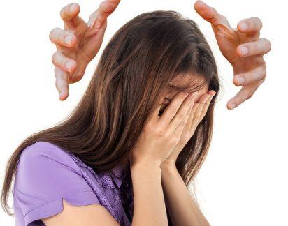 Enxaqueca: Crises afetam mais as mulheres. A culpa é das hormonas