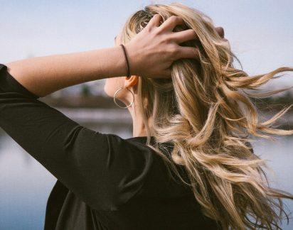 Estes 6 hábitos tornam o cabelo oleoso!